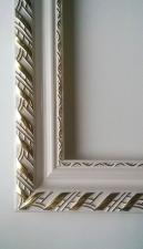 Рамка для картин 40*50 белая с золотом (узор №2)