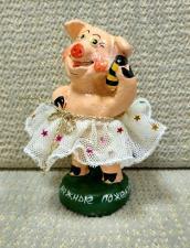 Фигурка  Свинки из глины.