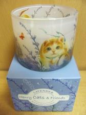 Ароматизированная свеча в подарочной упаковке.